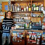 Rainbow Bistro - open mic - barman Jordan Delwo